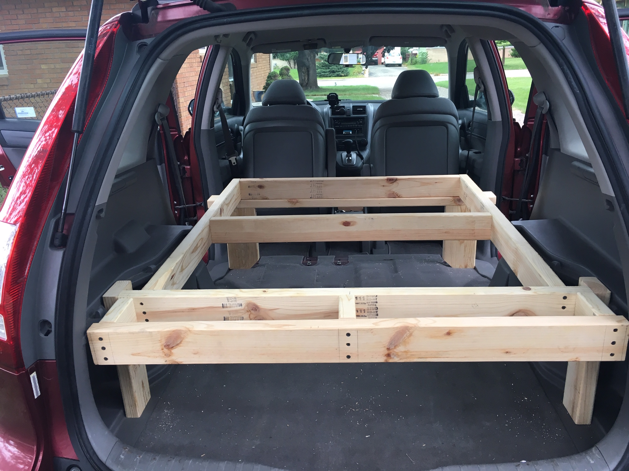 I replaced the two 2x4 legs nearer the front of the vehicle with 2x6s